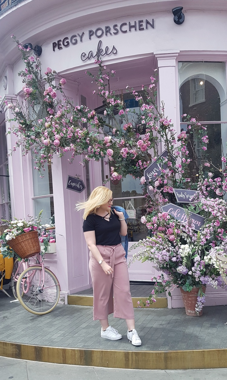 Sophie outside Peggy Porschen.jpeg