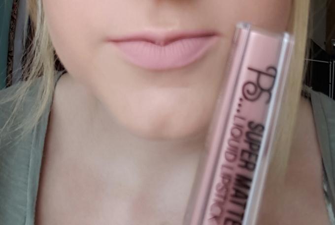 primark-liquid-lipsticks-01-kim-swatch