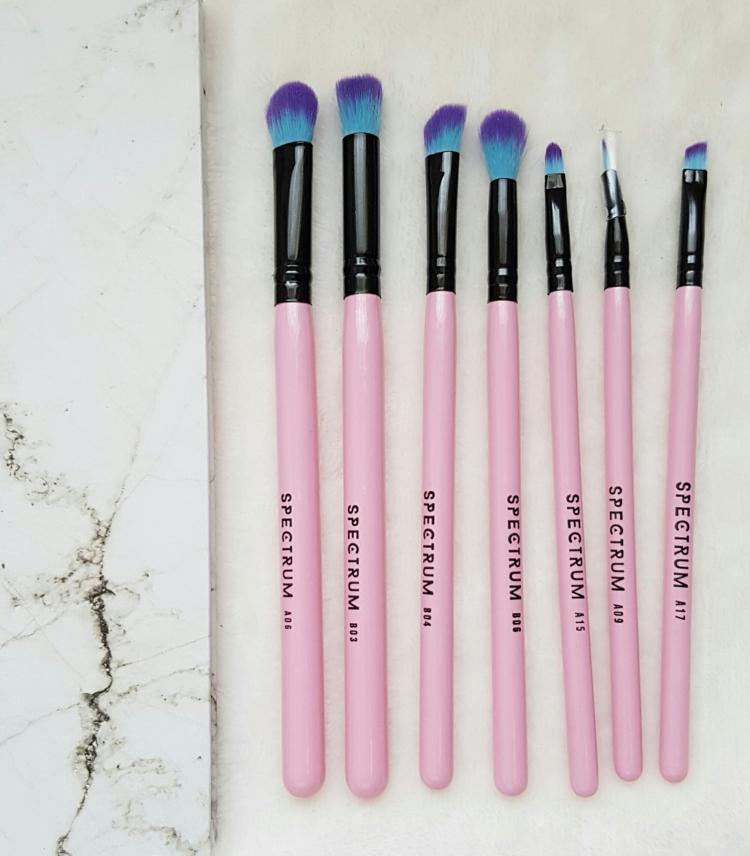 sprectrum 10 piece essentials kit eye brushes.jpg