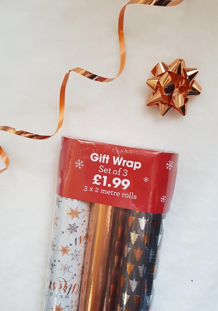 christmas gift guide gift set.jpeg